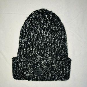 American Eagle black white & gray warm knit hat